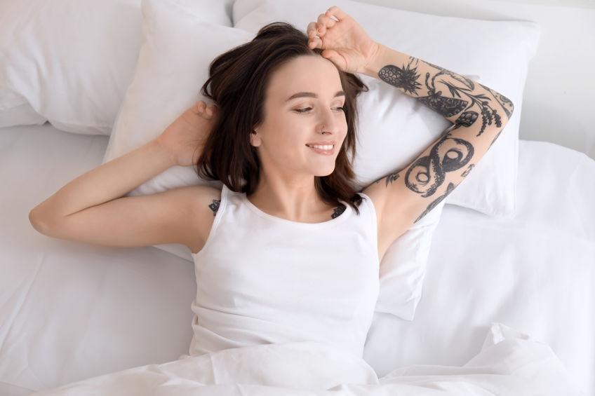 Oberarm tattoos frauen ▷ 1001