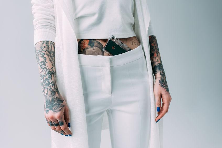Rippen frauen tattoos Tattoo Frau